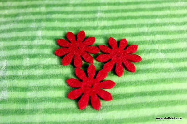 Filzapplikation | kleine Blume mit 9 Blüten | rot