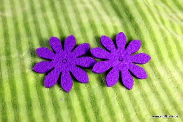 Filzapplikation | Blume mit 9 Blüten | lila