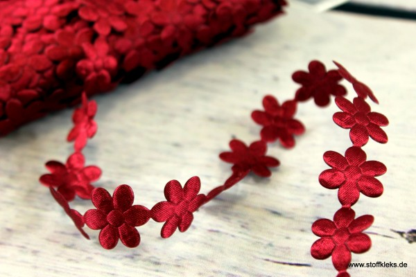 Satinborte   Flower   weinrot   1,8 cm