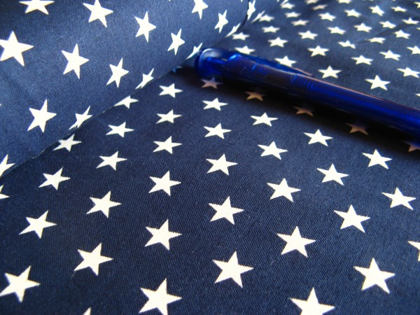 Baumwolle | bedruckt | 10mm Sterne | dunkelblau/weiss