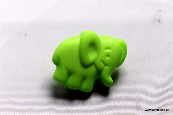 Knopf | Kunststoff | Elefant | hellgrün | Öse | 1,6 x 1,3 cm