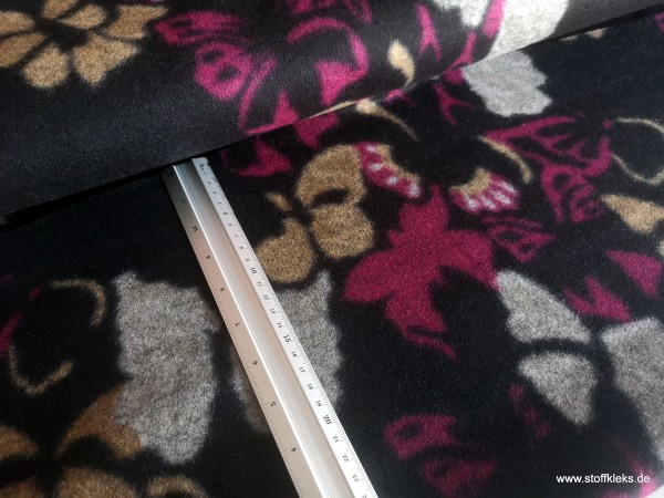 Walkloden | schwarz | grobe Schmetterlinge