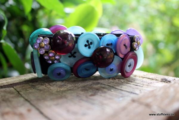 Knopfarmband von der Marke B.E.A. | lila/türkis